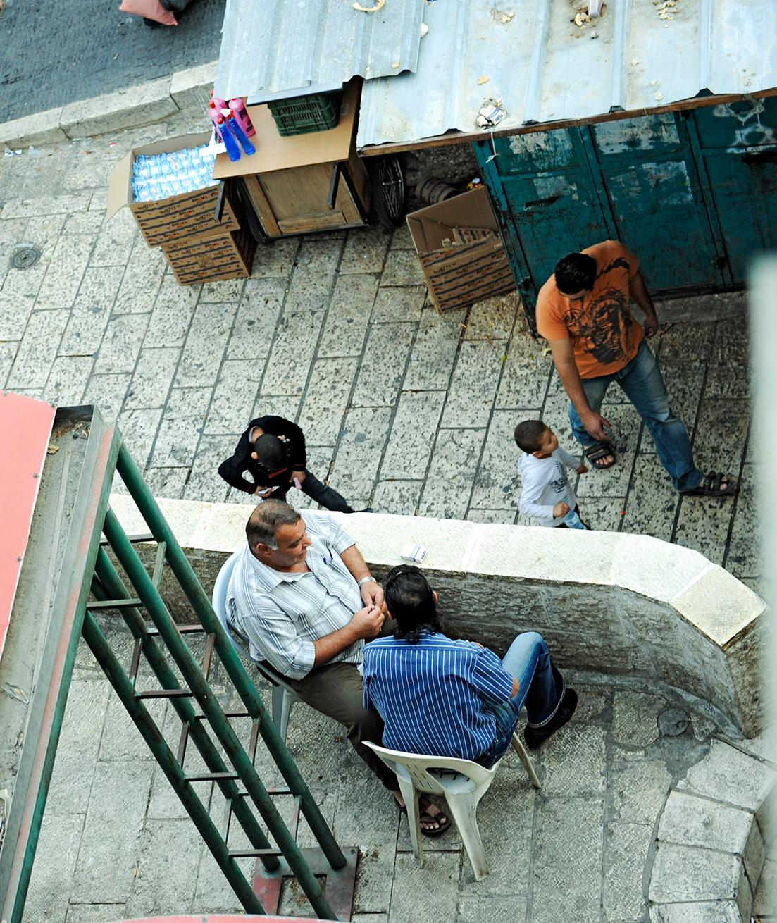 Menschen in der Altstadt von Jerusalem
