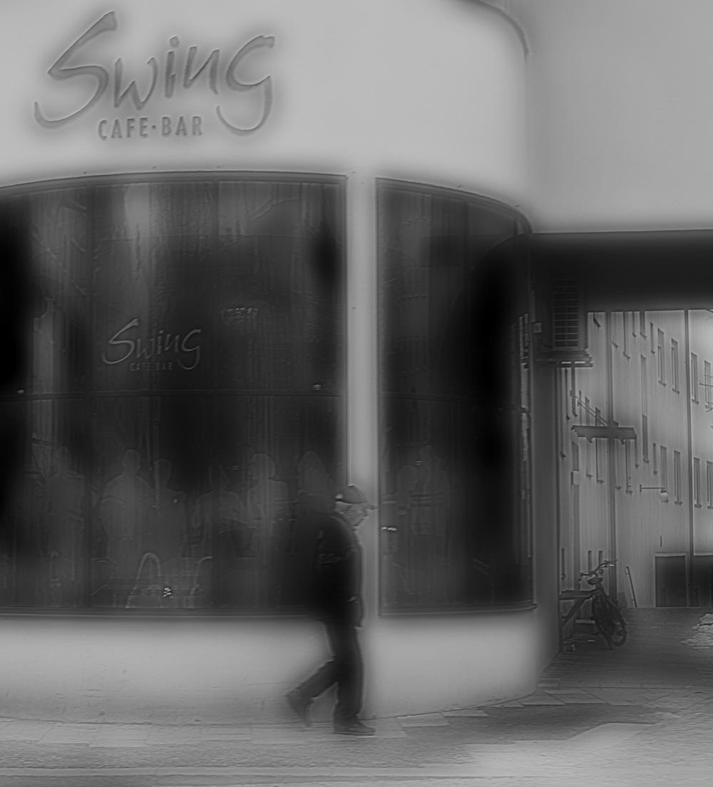 Swing, jemand geht, verschwommen, Café, Bar, Mann, allein, Foto : Azucena Viloria