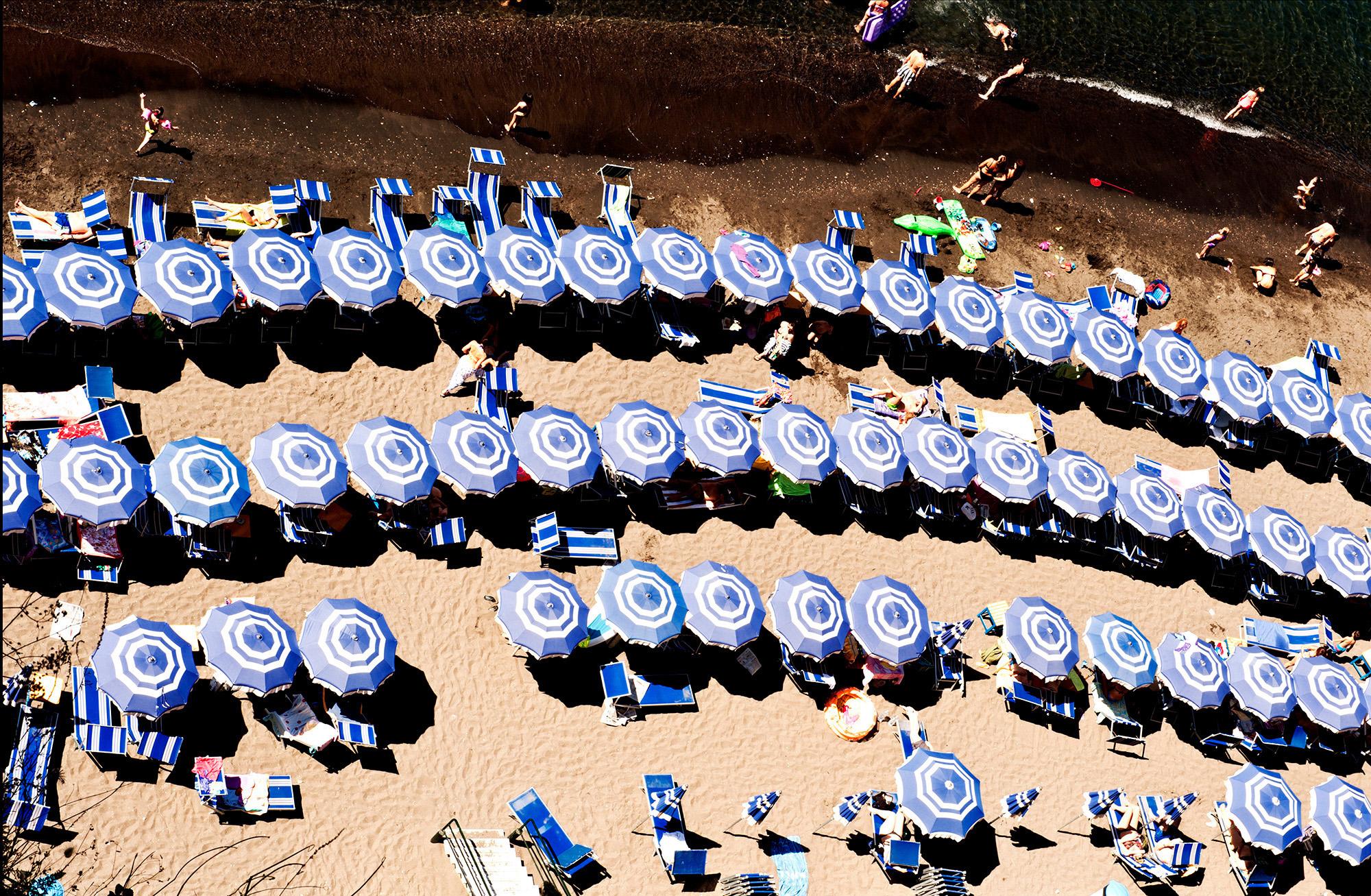 Organisierter Strand in Sorrento, Kampanien